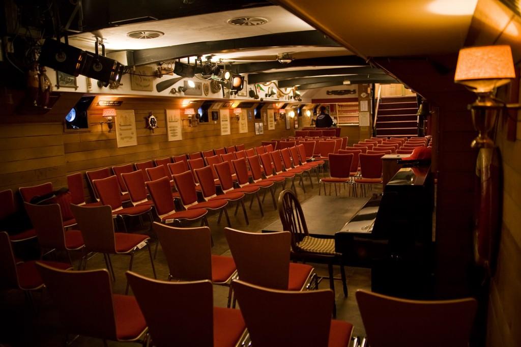 Theaterschiff innen